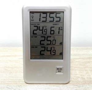 Das Display des Poolthermometers von TFA