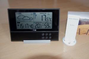 TFA Pure - Eine moderne, kleine Funkwetterstation im Test, sehr dünn